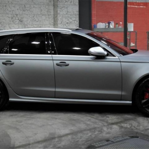 audi-rs6-gunmetal-color-matte-metallic-color-arlon-sott-avery-kpmf-grafityp-premiumshield-ppf-3dcarbon-idymonas-car-wrapping-window-films-(1)