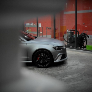 audi-rs6-gunmetal-color-matte-metallic-color-arlon-sott-avery-kpmf-grafityp-premiumshield-ppf-3dcarbon-idymonas-car-wrapping-window-films-(2)