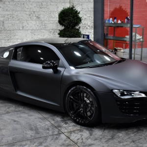 Audi r8 in Matte Perfect Black (12)