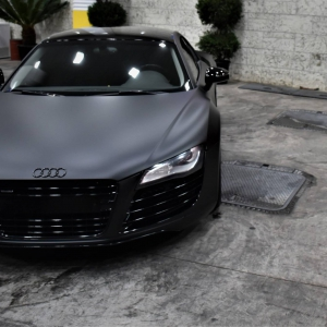 Audi r8 in Matte Perfect Black (17)