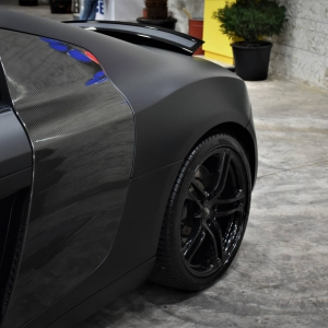 Audi r8 in Matte Perfect Black (3)