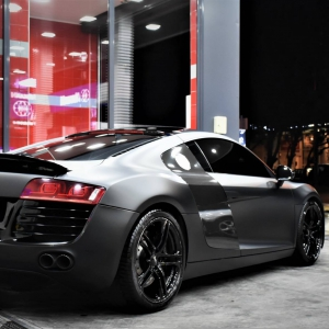 Audi r8 in Matte Perfect Black (6)
