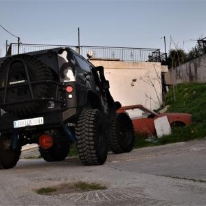 Jeep in camo design (5)