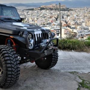 Jeep in camo design (6)